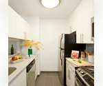 2BR, 2BTH YOU CAN ENJOY ALL EXQUISITE SHOPPING NR CENTRAL PARK
