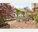 Luxury Prewar/E60's&3rd Ave/Large Studio/$3,095