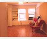 PRICED REDUCED!  SWEET STUDIO STEAL STEPS TO RIVERSIDE DRIVE! SUPER LOW MAINTENANCE!