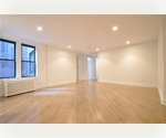 ELEVATOR/LAUNDRY BUILDING..E70 Street 2/3 Ave***STEPS FROM CENTRAL PARK**HUNTER COLLEGE**