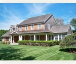 4 BEDROOM, 3.5 BATHS, TRADITONAL STYLE HOME - EAST HAMPTON