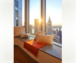 Absolutley Gorgeous Spacious One Bedroom Apartment with Washer/dryer in Downtown.