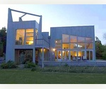 MODERN  LIVING IN A BEACH COMMUNITY - EAST HAMPTON