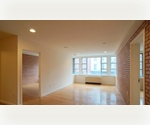 Lower East Side / 1 Bed-1 Bath- Dinning Alcove/ Exposed Brick/ Elevator/ Laundry / CHEFS KITCHEN/ FITNESS CENTER