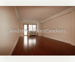 Union Sq Chelsea High End 1 Bedroom // Floor-thru with Private Balcony // Loft Like Space // Luxury Doorman Building